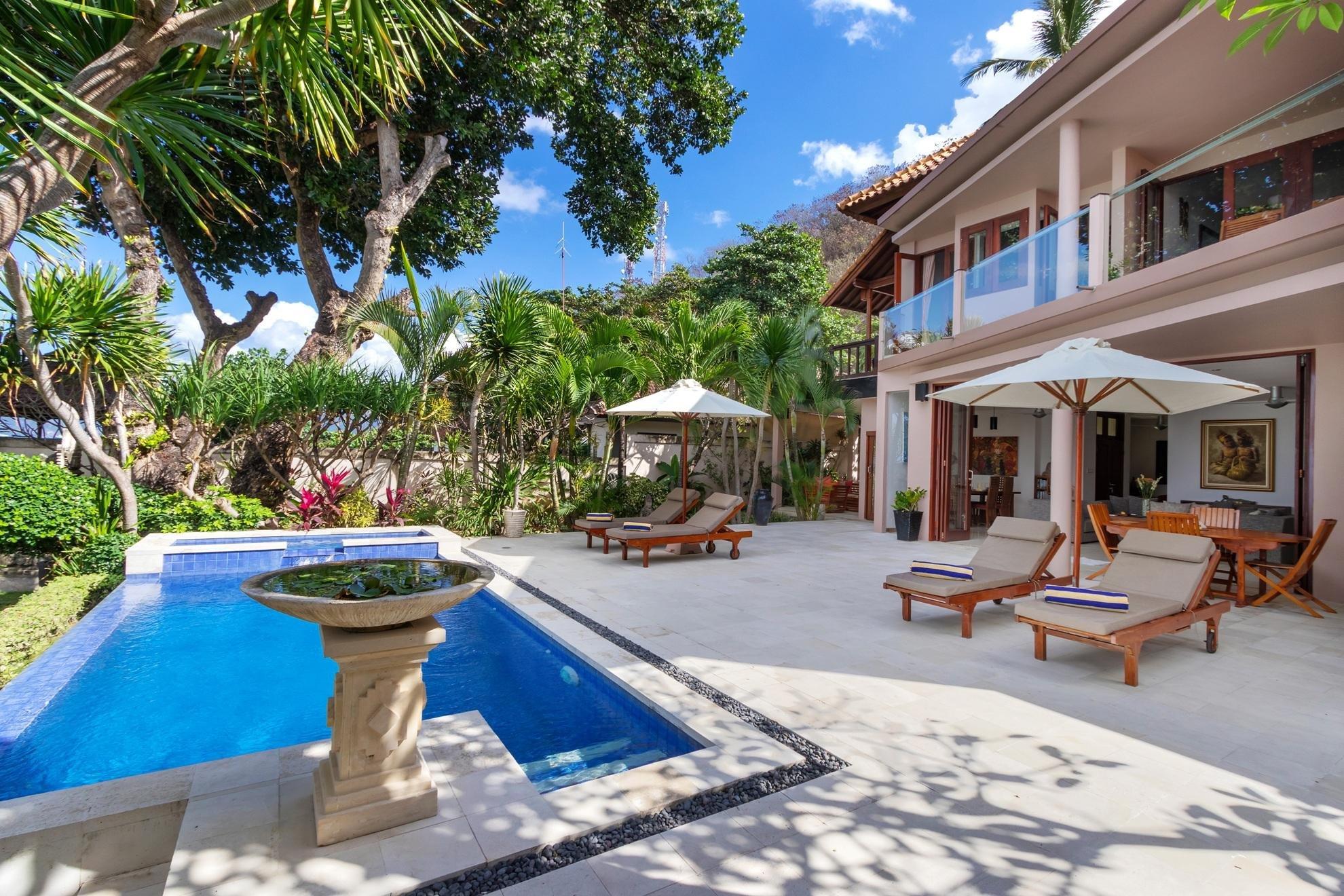 Villa Pantai Candidasa