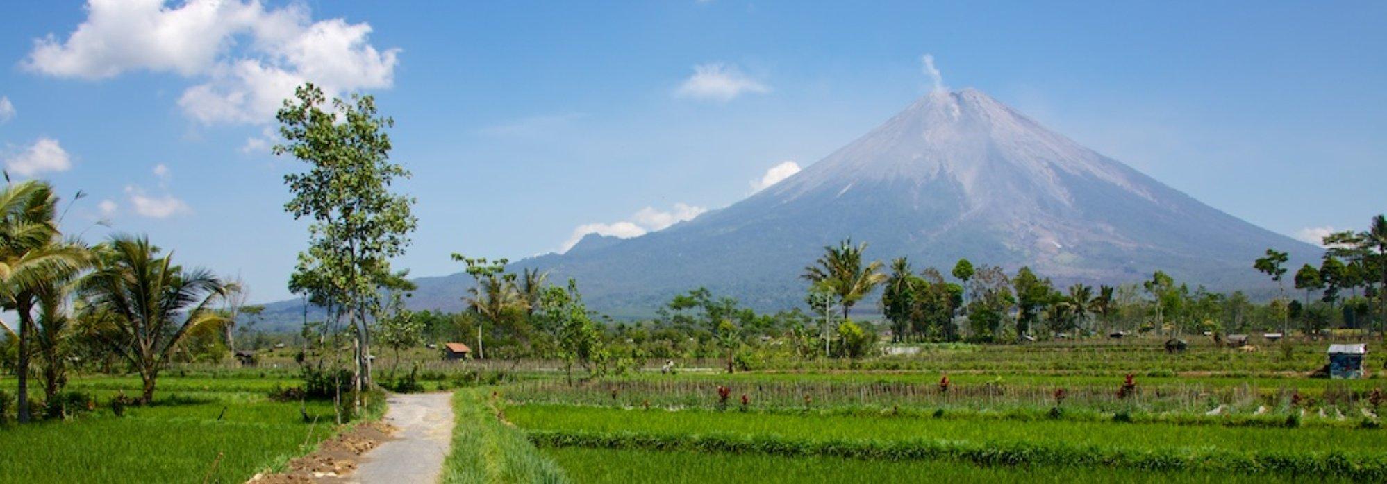 Tassen Laten Maken Op Bali : Merapi tour travel de indonesi? reisspecialist